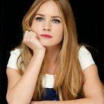 Britt Robertson Net Worth, Age, Height, Boyfriend, Profile, Movies