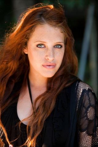 Carly Chaikin Net Worth, Age, Height, Husband, Profile, Movies