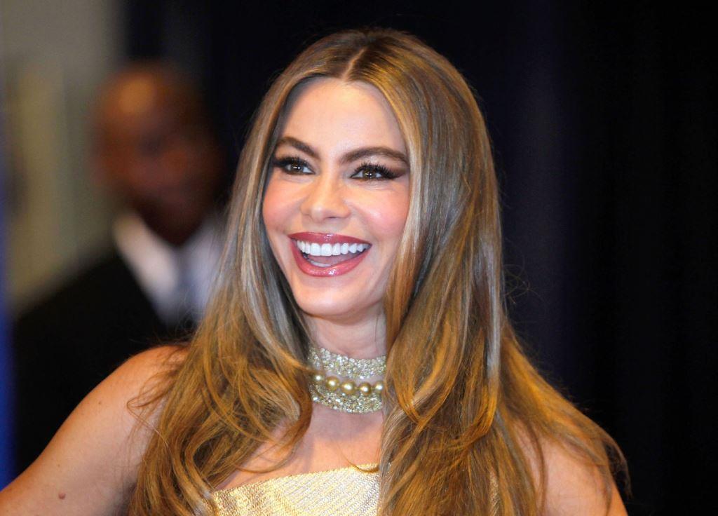 Salary for celebrity makeup artist