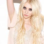 Taylor Momsen, Taylor Momsen Net Worth, movies, Net Worth, Profile, tv shows