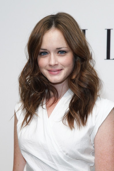 Alexis Bledel Net Worth, Age, Height, Husband, Profile, Movies