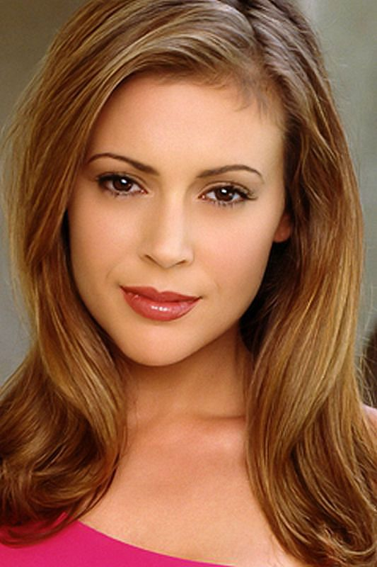 Alyssa Milano Net Worth, Age, Height, Husband, Profile, Movies