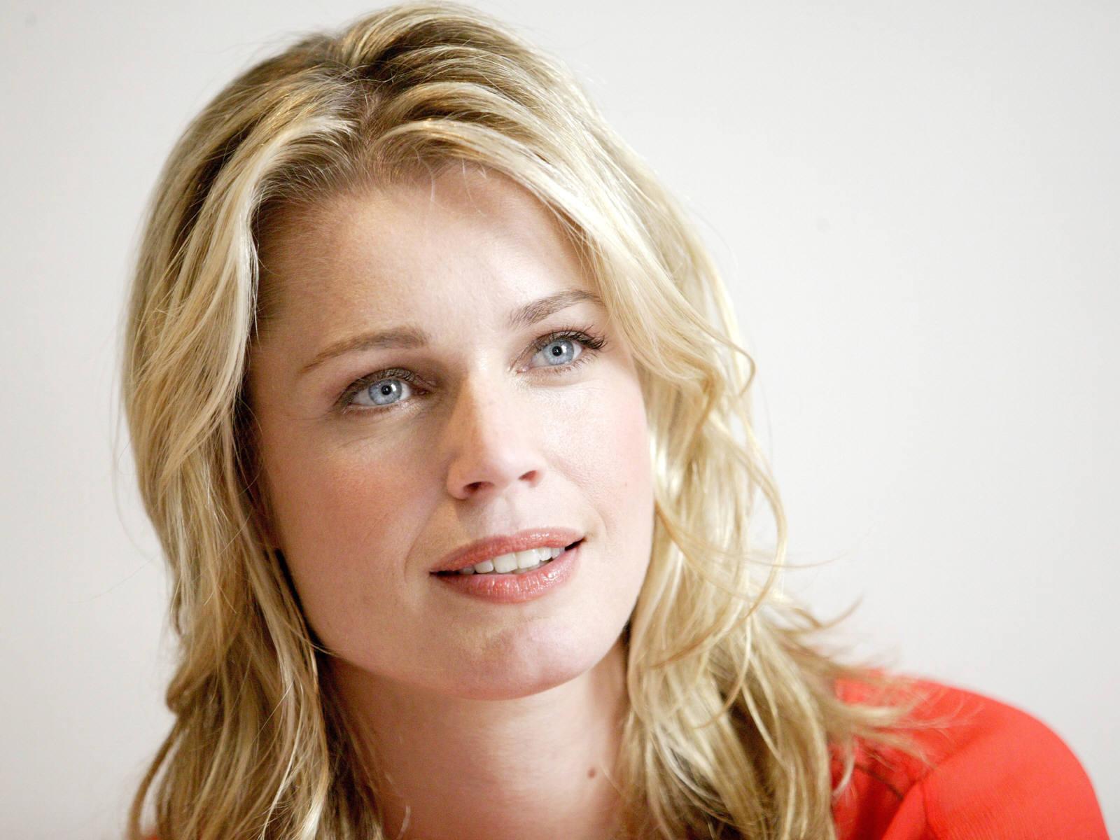 Rebecca Romijn Net Worth, Age, Height, Husband, Profile, Movies