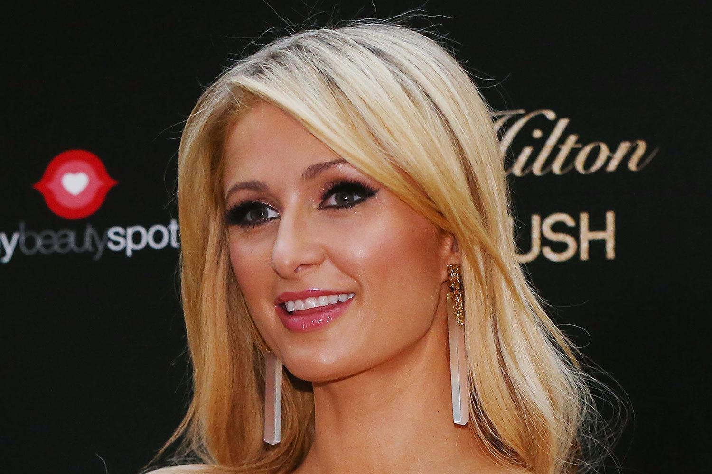 Paris Hilton Net Worth, Age, Height, Profile, Perfume, Boyfriend
